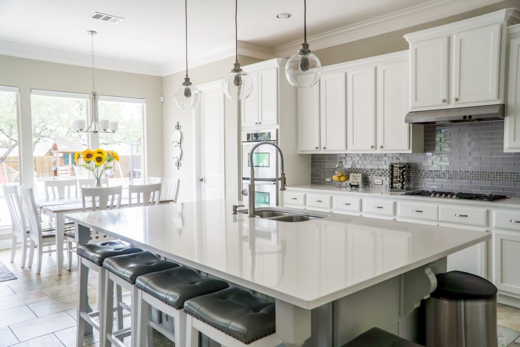 Why You Should Hire a Professional to Install Kitchen Cabinets