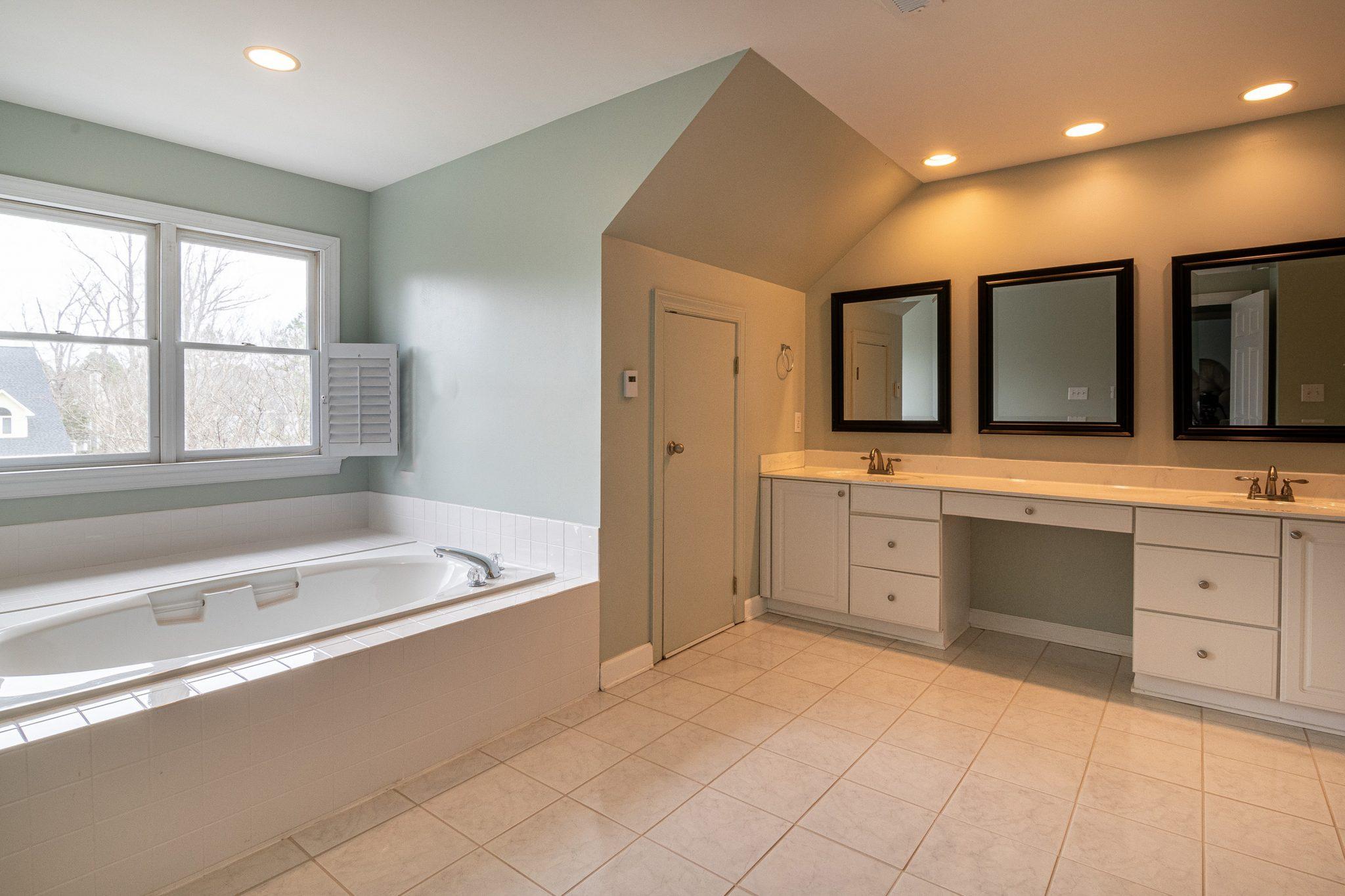 Bathroom Countertops: Best Materials