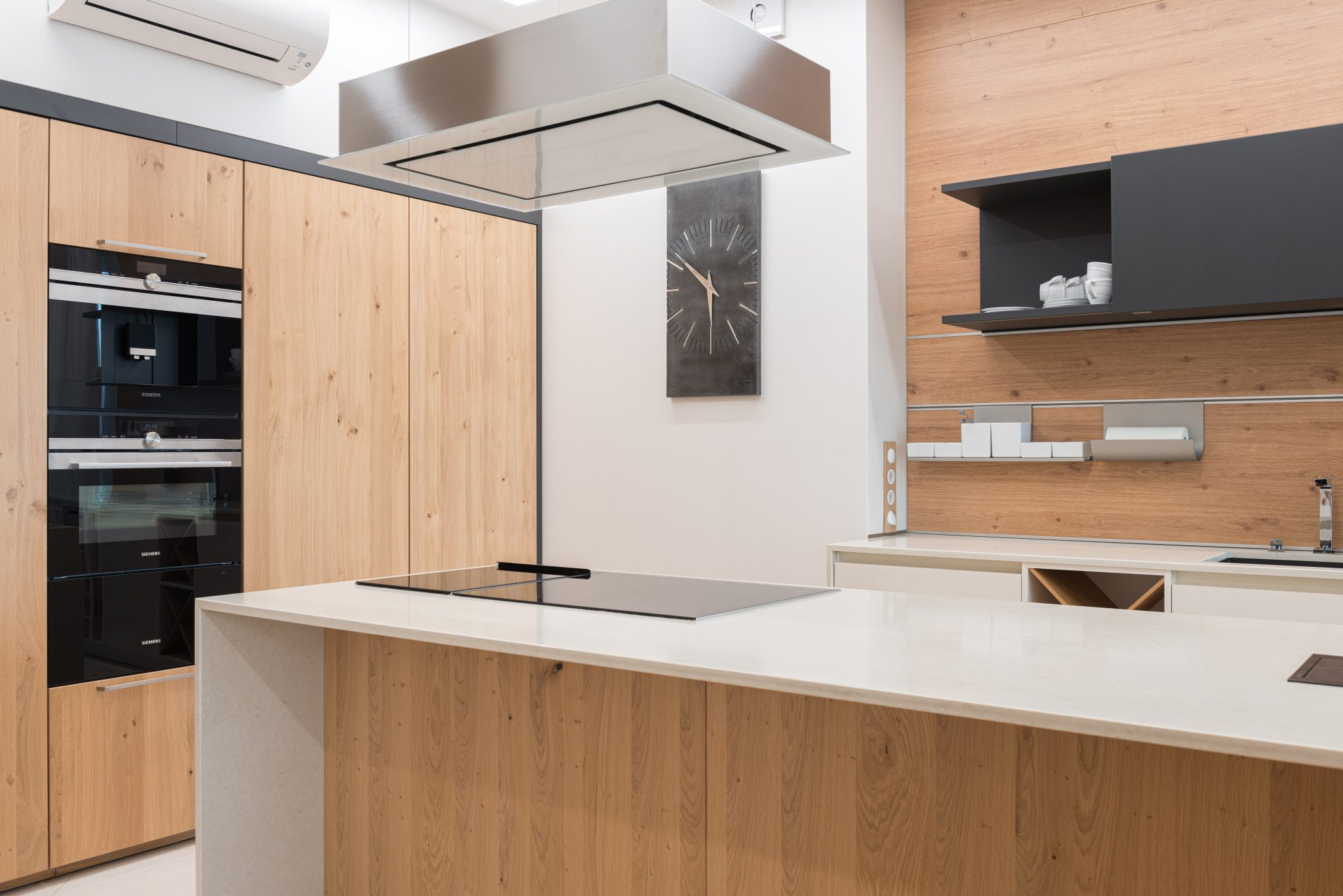 The Benefits of Oak Cabinets